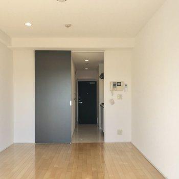 7.7帖の居室です。次は廊下へ。