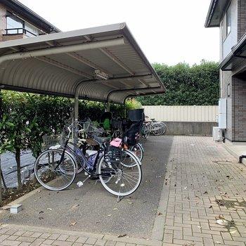 自転車置き場はお部屋の目の前。
