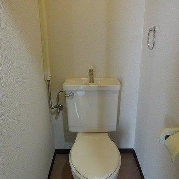 風呂トイレ別(※写真は3階の同間取り別部屋のものです)