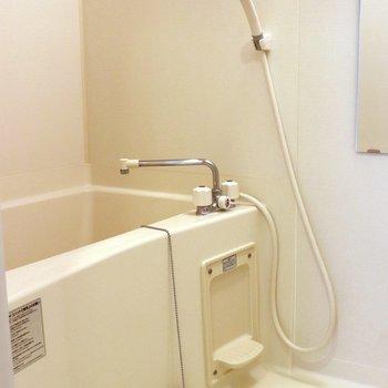 お風呂は温度調整を工夫しましょう※写真は3階の同間取り別部屋のものです