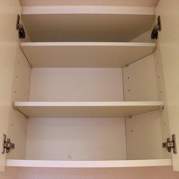トイレ上の収納※写真は3階の同間取り別部屋のものです