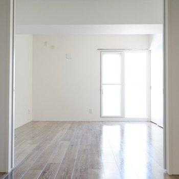 洋室は繋げて開放感ある大部屋にすることも