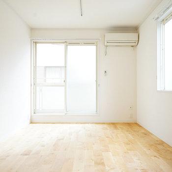 【完成イメージ】寝室は2面採光です。こちらも真っ白になる予定。