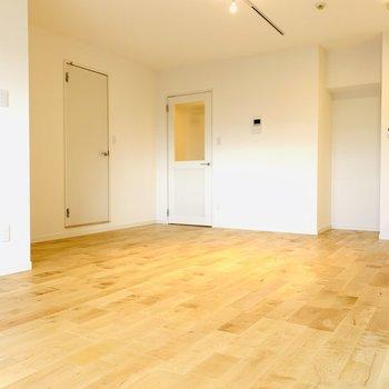 無垢床がしなやかで本当に美しいです
