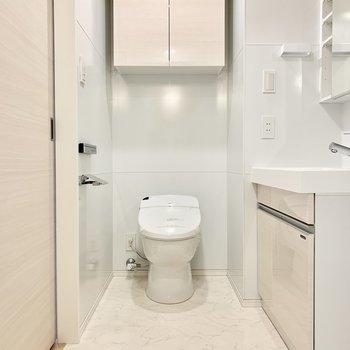 トイレも脱衣所にあります
