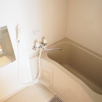 お風呂も十分な大きさです※同間取り別部屋です
