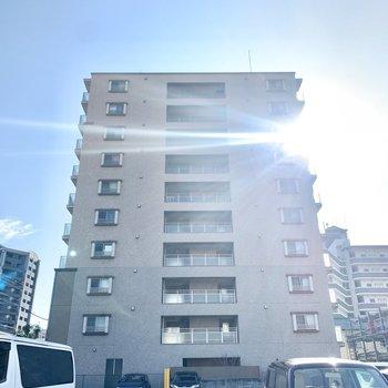 10階建てマンション。今回のお部屋は最上階です◎