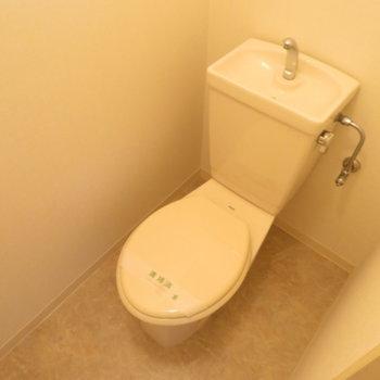 トイレはしっかり分かれているのが嬉しいですよね!(※写真は3階の似た間取り、別部屋のものです)
