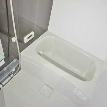 もちろん浴室乾燥機付き。※写真は同タイプの別部屋