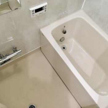 お風呂はほんのりグリーンが落ち着く〜