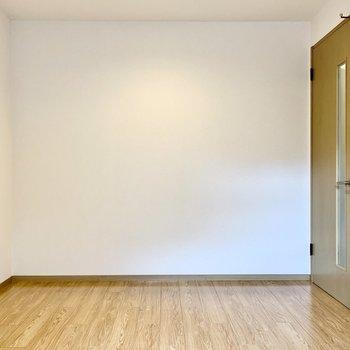壁寄せで家具を置きやすい◎