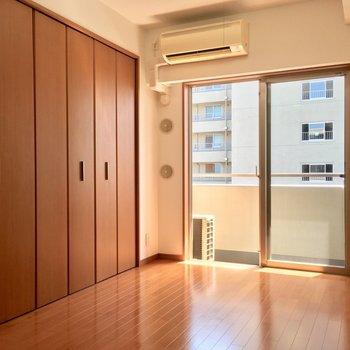 【4帖洋室】コチラは寝室に◎※写真は3階の同間取り別部屋のものです