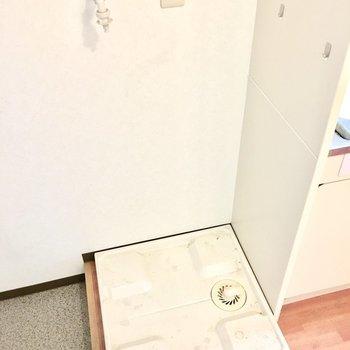 洗濯パンは玄関前に。※写真は3階同間取り・別部屋のものです