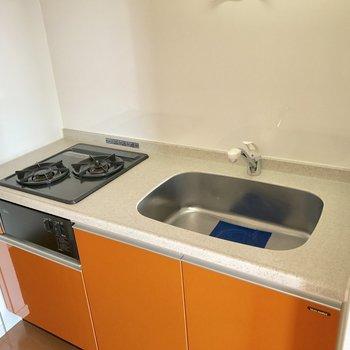 スッキリしたキッチン。このスッキリ感を極力維持したいね。(※写真は10階の反転間取り別部屋のものです)