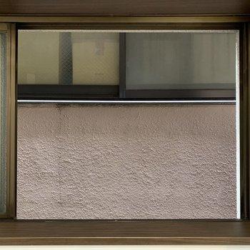 眺望は望めませんが、キッチンの空気の入れ替えができるのは嬉しい。