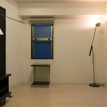 窓の下にも家具置けますね!(※写真は3階の同間取り別部屋、モデルルームのものです)