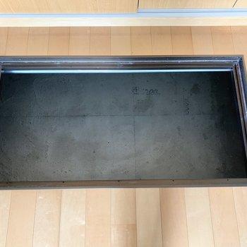 クローゼット前にも床下収納があります