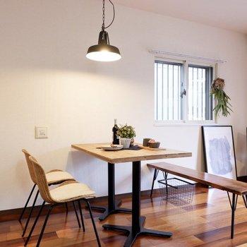 ダイニングセットも伸び伸び置けるほどの広さです。※家具・雑貨はサンプルです