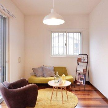 ソファを置いて、リラックス。※家具・雑貨はサンプルです