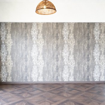 この壁よ!アンティーク調の家具を置いたらいいかなぁ