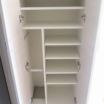 靴もたっぷり入ります!※写真は8階の反転間取り別部屋のものです