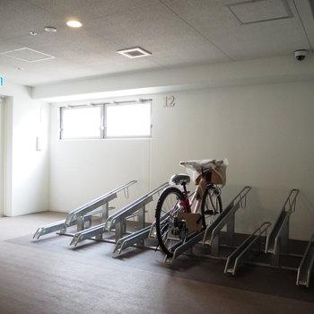 なんと、各階に駐輪場が付いています!