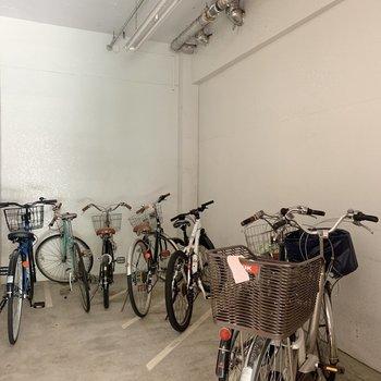 自転車置き場もエントランス横にありました※写真は前回募集時のものです