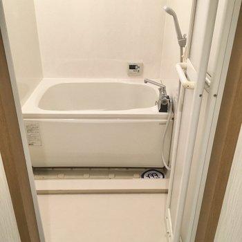 お風呂はサーモ水栓!ゆったりしているからリラックスできそう!