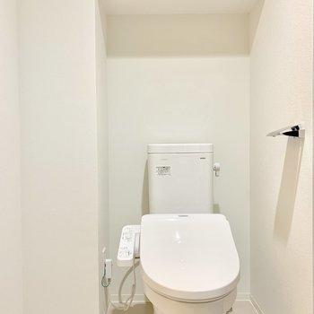 トイレも脱衣所に※写真は7階の同間取り別部屋のものです