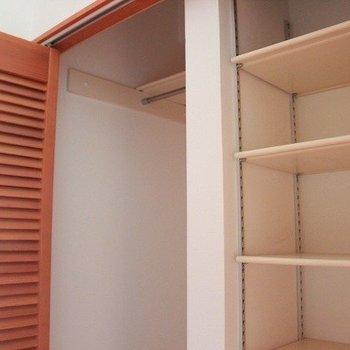 収納はここと、もう一箇所(※写真は4階の同間取り別部屋のものです)
