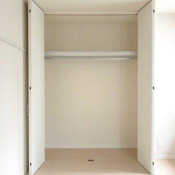 【洋室】クローゼットは大容量です。※写真は前回募集時のものです