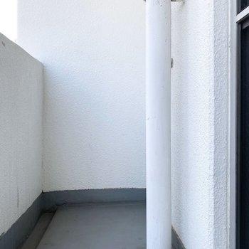 下の通りから賑やかな声が聴こえてきました※写真は3階の同間取り別部屋のものです