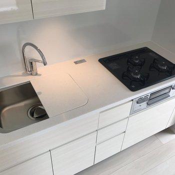 【LDK】キッチンプレート付きで調理も楽々