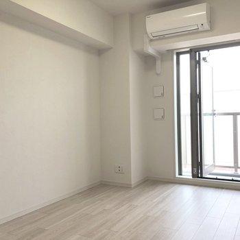 テレビ線などはこちら側にありました。※写真は5階の同間取り別部屋のものです