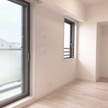 窓が2つ。風通しも◎※写真は5階の同間取り別部屋のものです