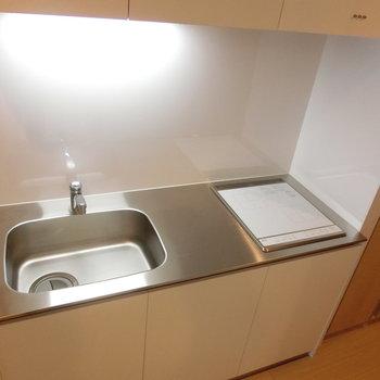 IHスタイリッシュキッチン※写真は3階の同間取り別部屋のものです