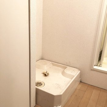 洗濯機置き場もサニタリーにございます。※写真は2階の同間取り別部屋のものです