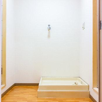 脱衣所に洗濯機置場です。(※写真は4階の同間取り別部屋のものです)