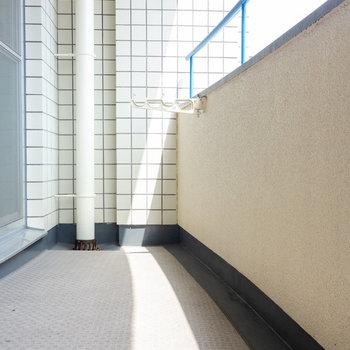 バルコニーは少し楕円形。(※写真は4階の同間取り別部屋のものです)