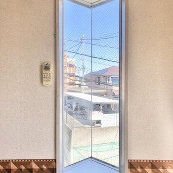 三角の出窓。かわいいですね。