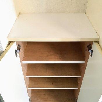 靴箱の上は鍵の定位置に。
