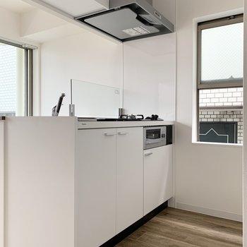 【DK】そしてキッチンには小窓があるので換気も◯