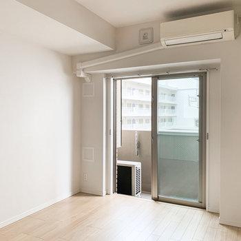 お部屋にはエアコンが付いていました。