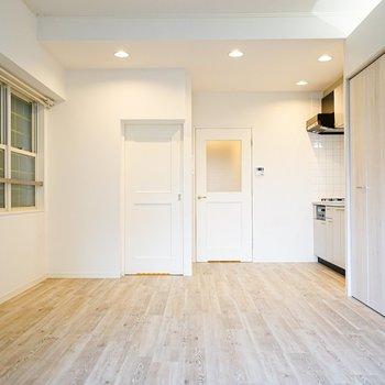床の表情が可愛らしいお部屋です!