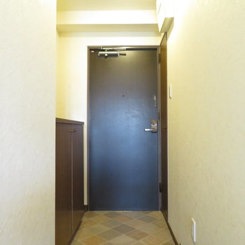玄関にはタイルが