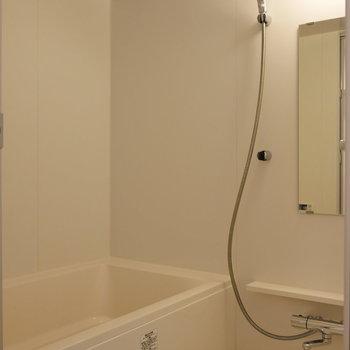 浴室も綺麗になりました。※写真は4階の同間取り別部屋のものです