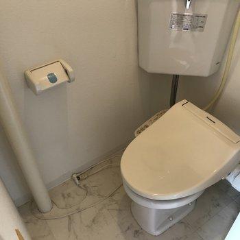 ウォシュレット付きおトイレ
