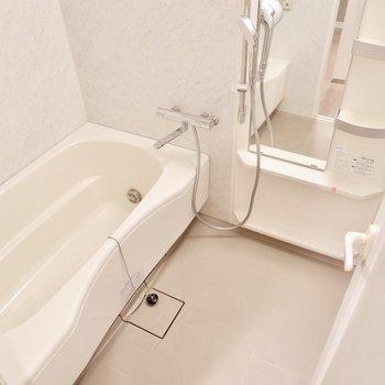 浴槽も大きくてのんびりできそう・・※写真は前回募集時のもの