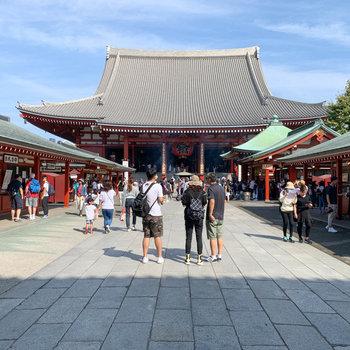 お正月は浅草寺でお参り。というのも良いですね。