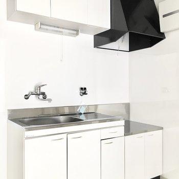 キッチンも清潔感があります◎